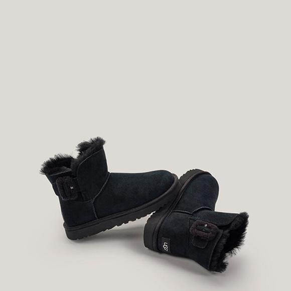 New Ugg Mini Bailey Fluff Buckle Boot